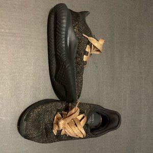 Adidas Girl Shoe Size 1